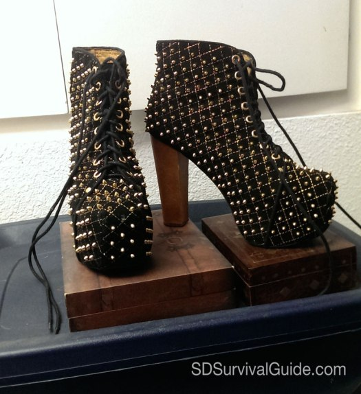 jeffrey-campbell-spike-black-wood-quilt